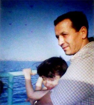 saleh-with-daughter