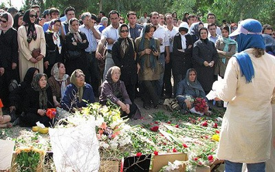 Mothers of martyrs demand trial of the regime leaders for the massacre