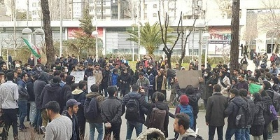 Iran: Security Forces attack peaceful Tehran student rally